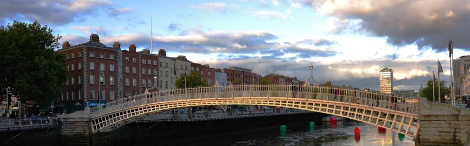 ha-penny-bridge-dublin-irel